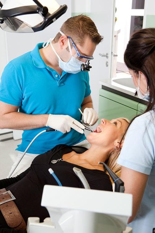 Zahn Implantate München Neuhausen