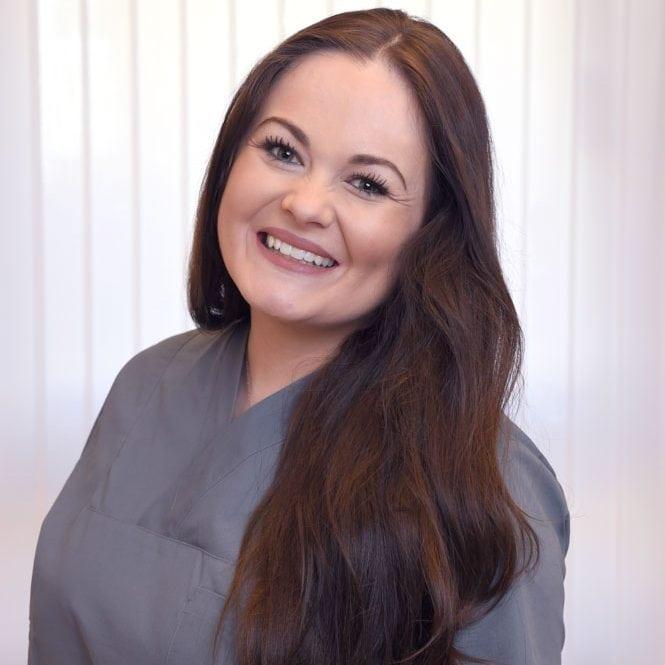 Teammitglied Dentalhygiene: Mejasa Sivic in der Praxis Dr. Sinseder München