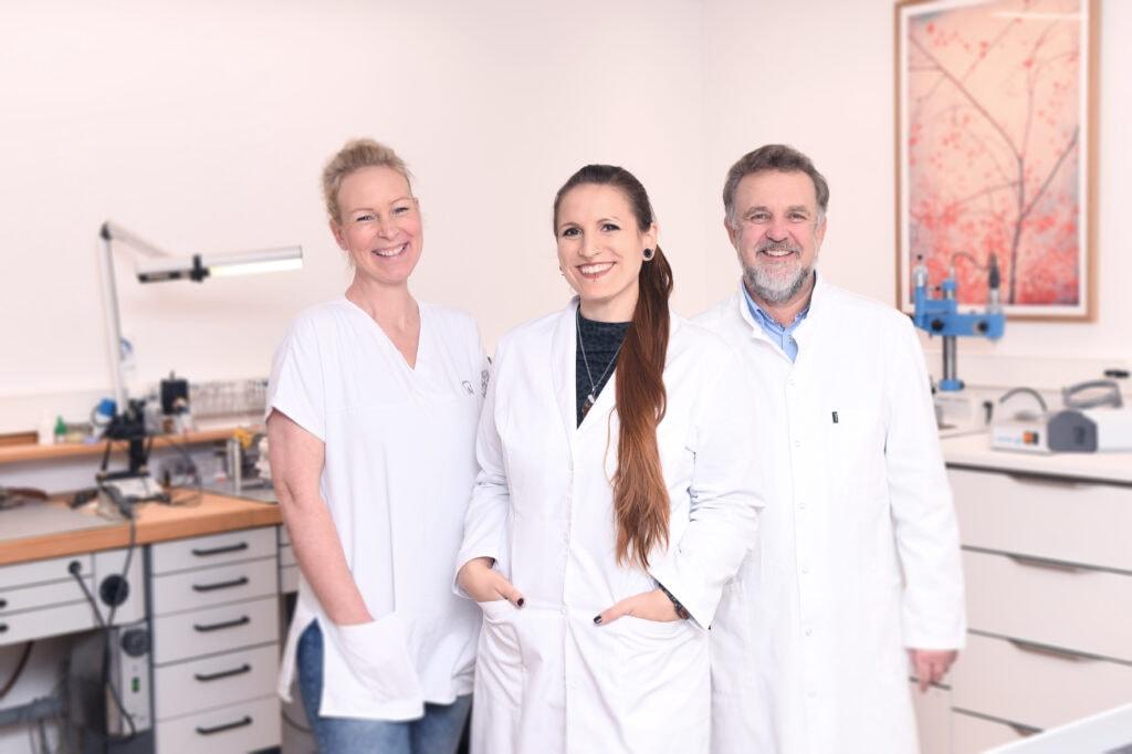 Zahntechnik Team Praxis Dr. Sinseder, Zahnarzt München Neuhausen